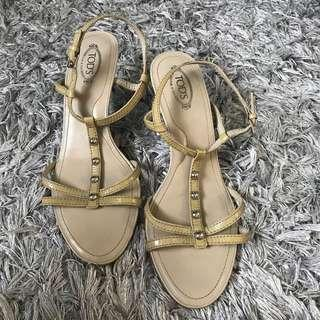 Authentic Tods Sandals Size 7 1/2