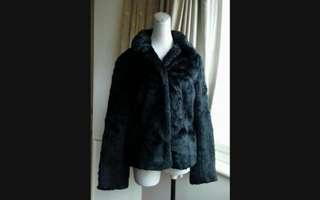 🚚 日本IENA 暖暖 黑天鵝絨毛外套