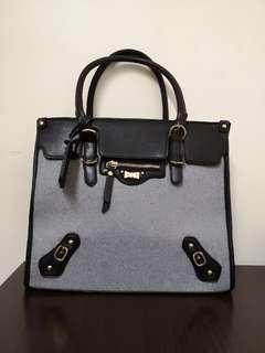 🚚 Pretty Office Handbag