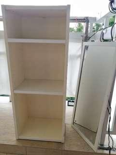 1 unit USED Book Shelves and 1 unit used mirror