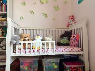 Baby cot for sale - FREE