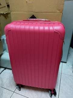 全新Letti 24吋防刮行李箱 蜜桃紅/甜心粉個有一個
