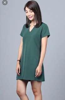 Hollyhoque basic dress