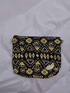 Pouch / dompet I'm Bangkok warna hitam kuning