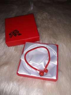 Lucky Red String Bracelet (unisex)