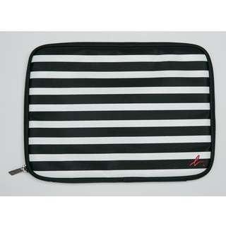 包順豐櫃 Agnes b. iPad Case 間條袋/萬用袋 平板電腦袋 全新有包裝