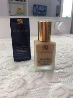 Double Wear Stay-in-Place Makeup SPF 10/PA++