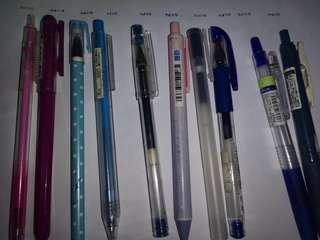 Assorted pens