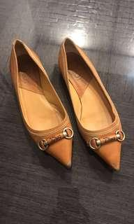 Dior leather flats in tan