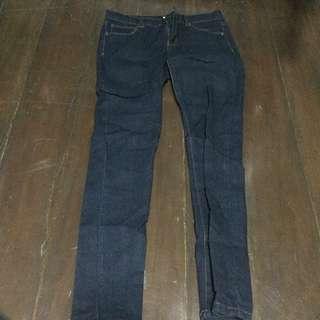 [ Preloved ] Forever 21 Dark Blue Maong Jeans