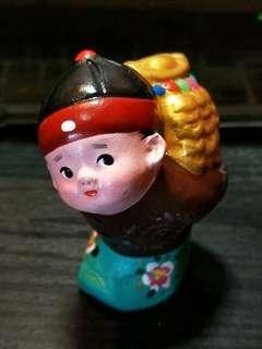 🚚 第五代泥人傳人薛洪玉作散財童子