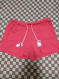 🚚 紅短褲