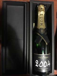2004 moet chandon grand vintage champagne 750ml