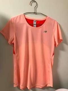 🚚 Newbalance 粉橘色運動短袖上衣