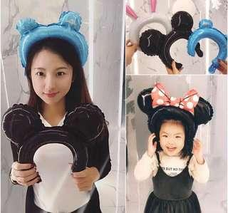 (4/1) Party hats for children / adults ( foil balloon ) , great for party gifts