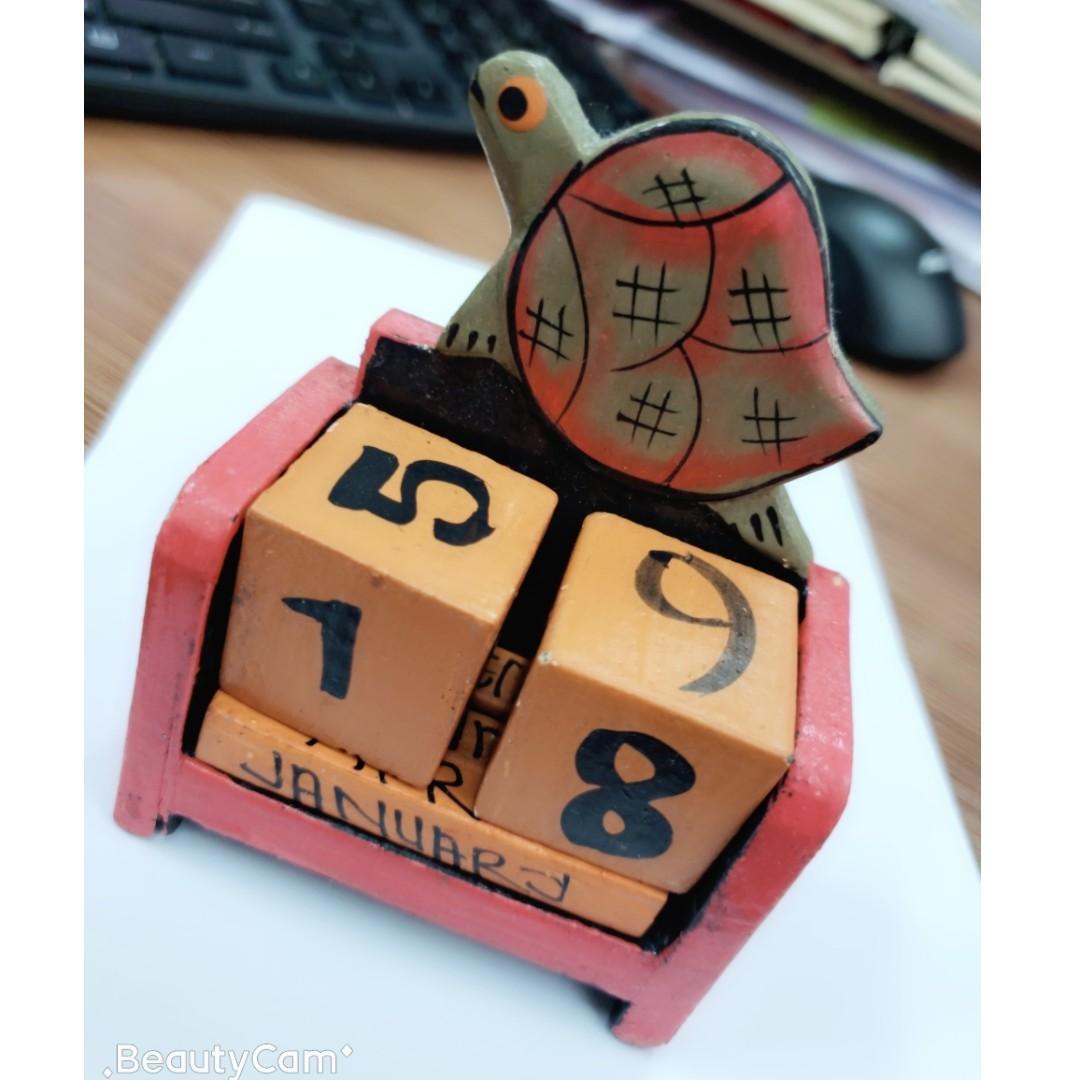 木製 烏龜 日曆 裝飾品