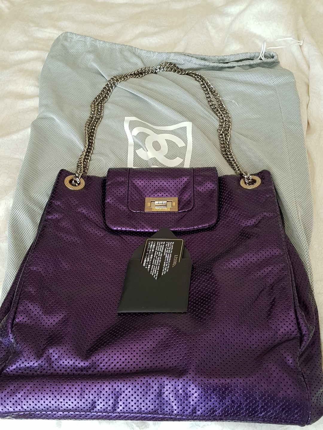 672fe84fdc19 Authentic Chanel Bag, Luxury, Bags & Wallets, Sling Bags on Carousell