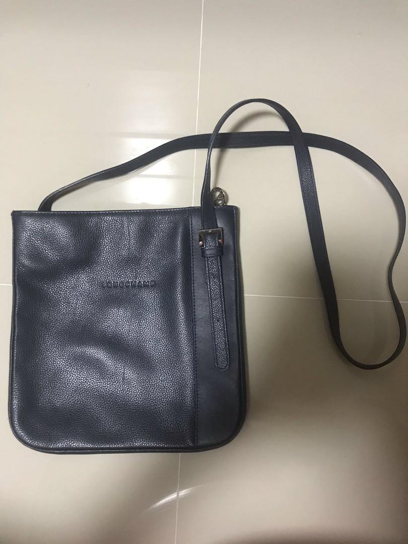 Authentic LongChamp Leather Sling Bag 2e3b9c755b1c0