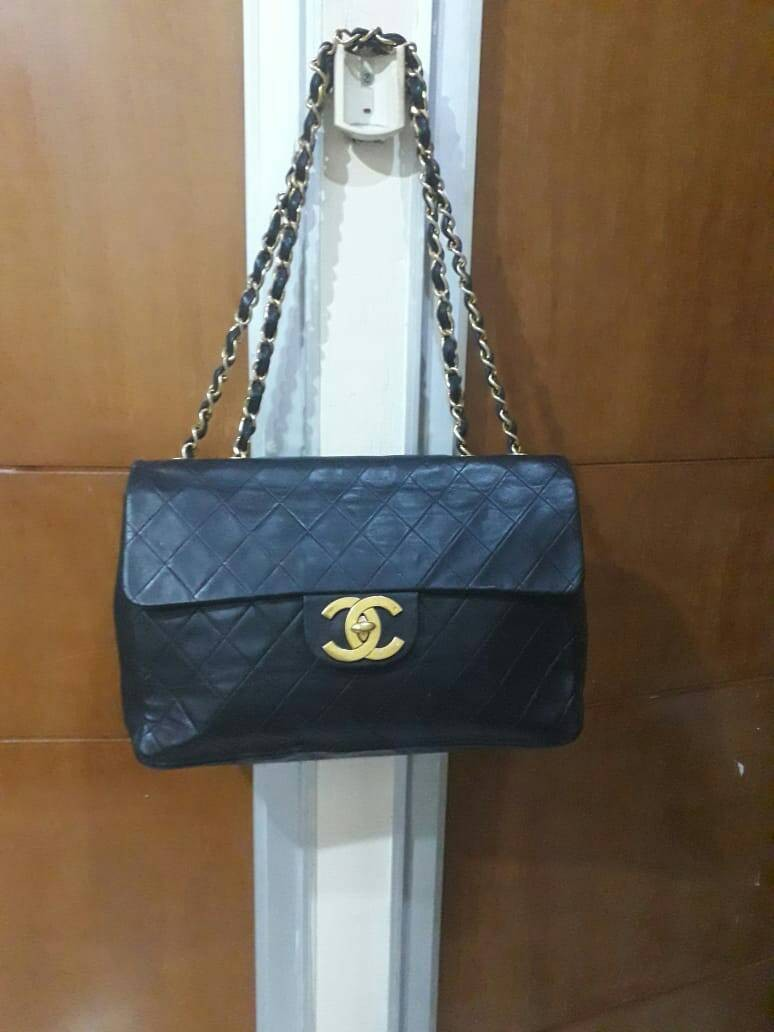 33a1386bf6c6 Chanel Black Quilted Lambskin Vintage Classic Double Flap Bag ...
