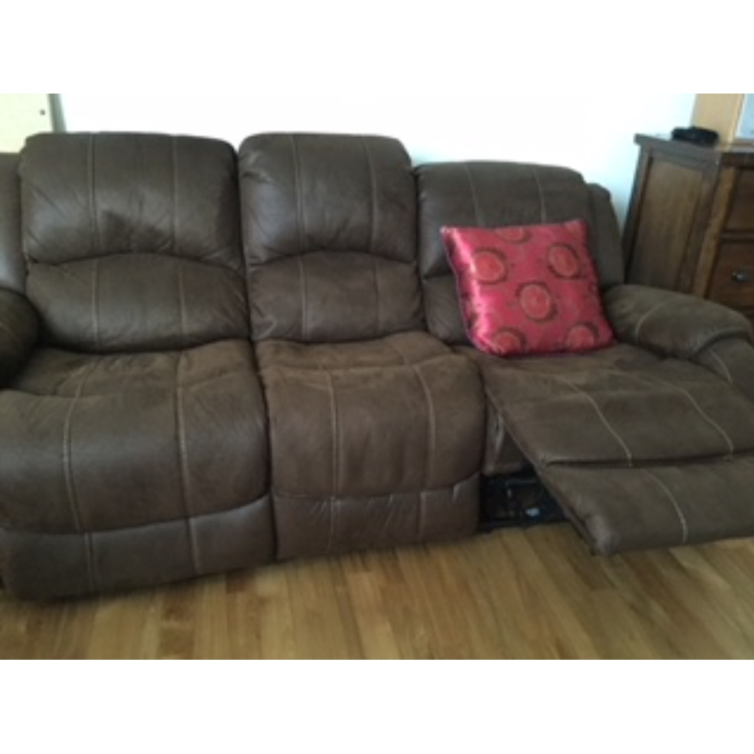 Leather Reclining Sofas Hurry For Quick Sale Only Furniture