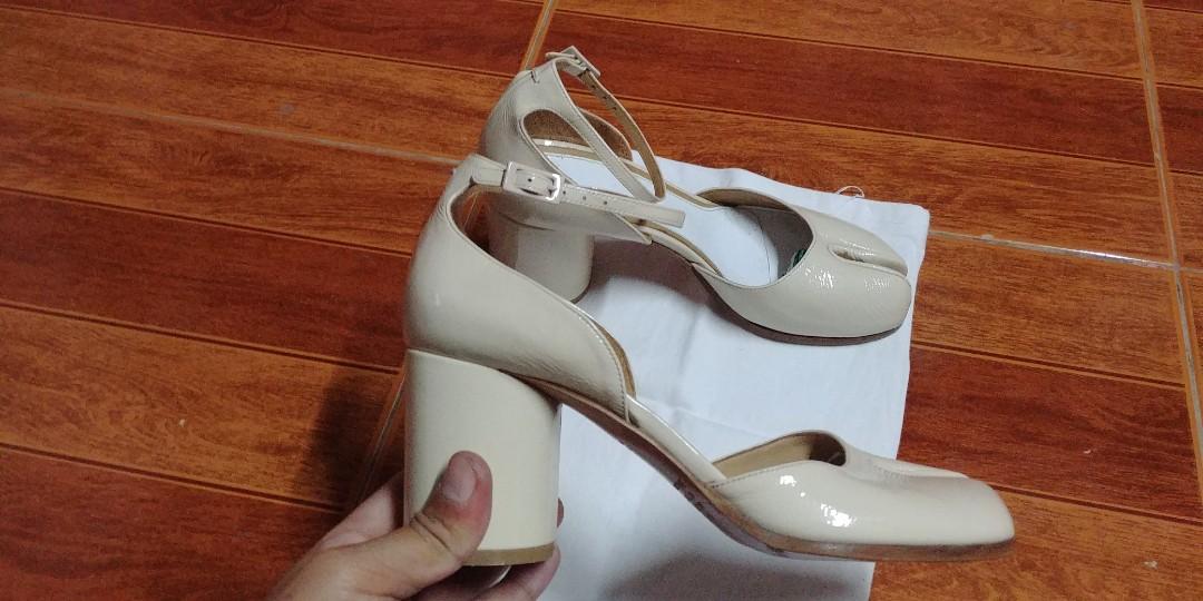 fc5ba21941f Maison martin margiela tabi ankle strap block heels pump