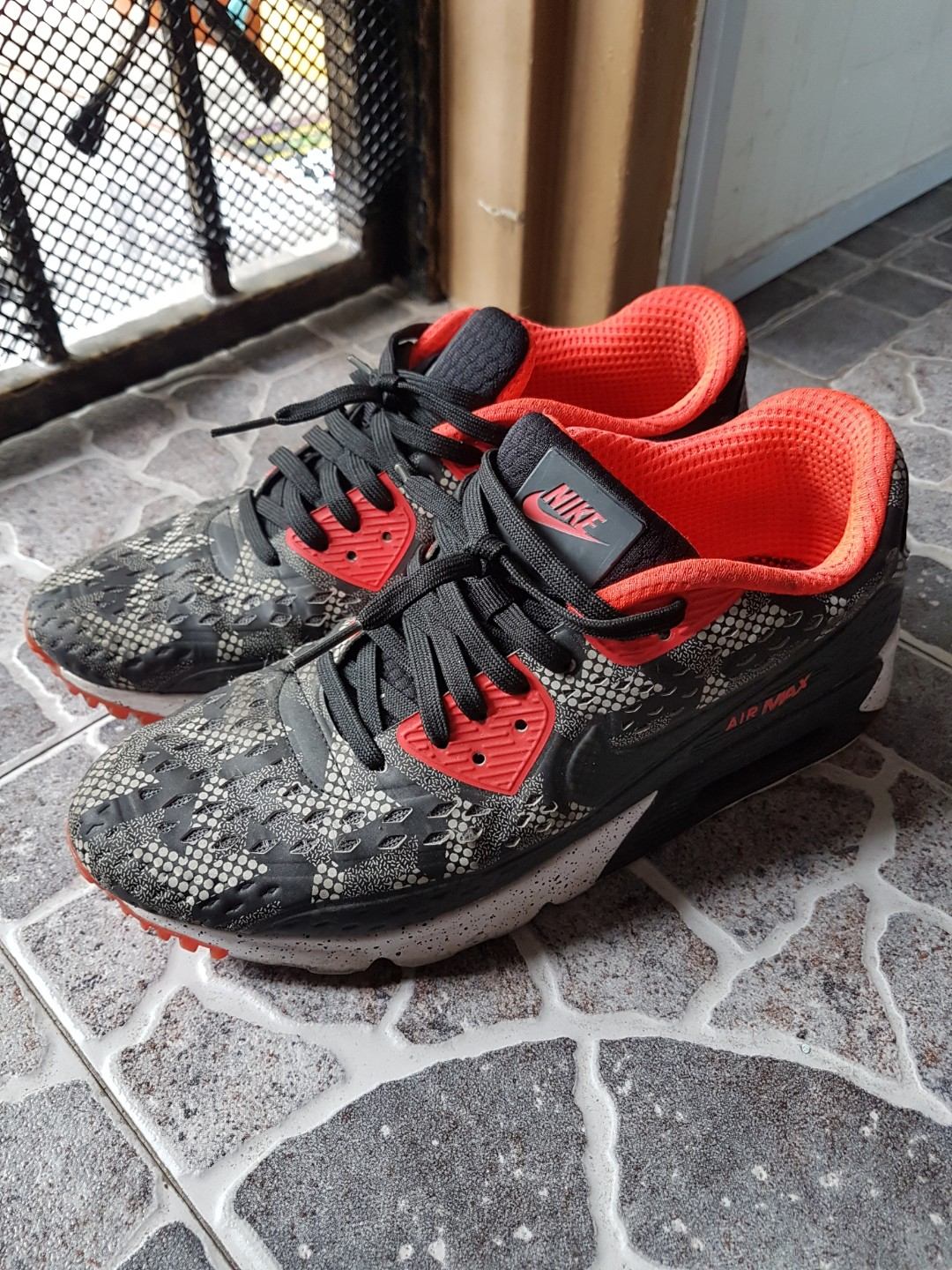 5b68a3561f Nike Air Max, Men's Fashion, Footwear, Sneakers on Carousell