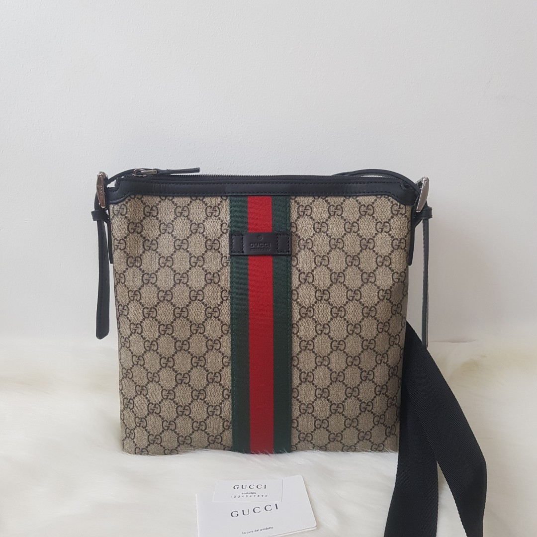 8d88e18f543 ON HAND  Authentic Gucci Web GG Supreme Messenger Crossbody Bag ...