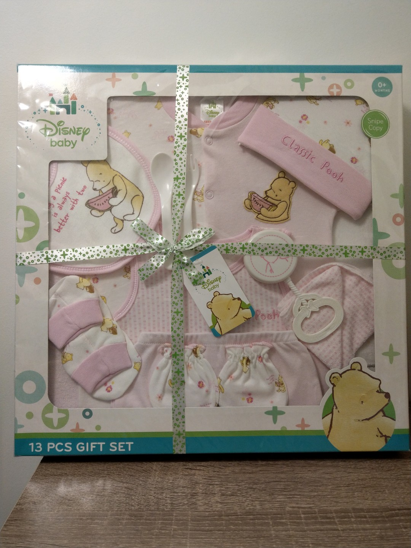 7864dd4e112a Winnie the Pooh Baby Girl 13 Pcs Gift Set