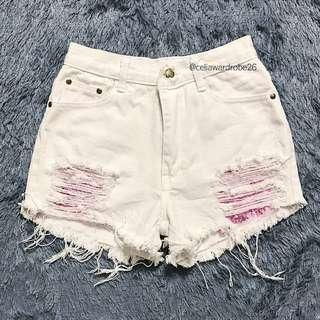 SH - 028 WHITE HOTPANTS VEVE RIPPED JEANS