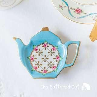 Pretty vintage teabag holder / spoon rest in the shape of a teapot