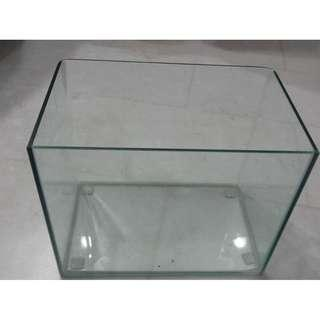 small fish tank Very good condition