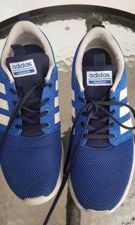 Sepatu adidas pria