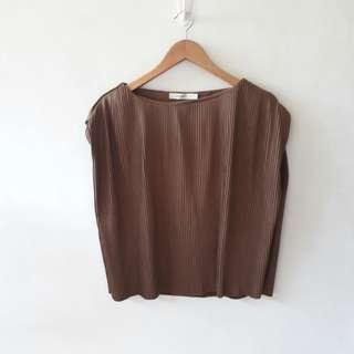 mousy pleated top