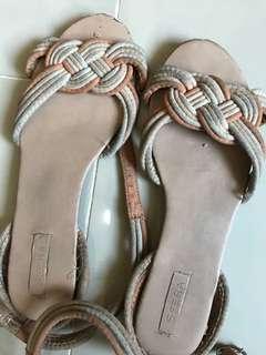 Sfera Sandals