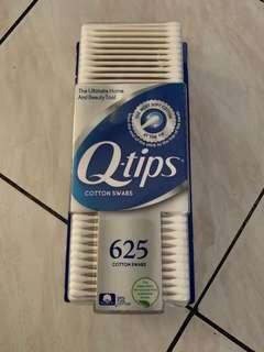 Q tips cotton swabs