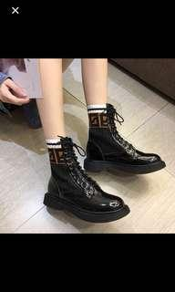 🚚 轉賣「Miss Coco」霧面馬丁靴
