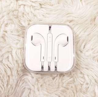 Apple EarPods Brand New