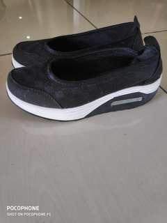 Women Walking Athletic Sneakers #SnapEndGame