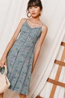 Looking for Fashmob Aurelia Midi Dress in Ash Blue