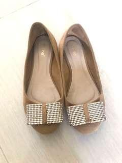 brown bow flat shoes