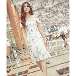 [PO] Sarahlyn Offsie Floral Dress
