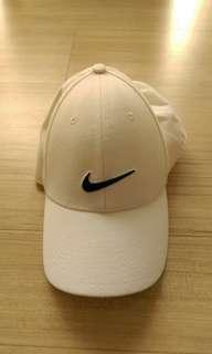 明牌白色休閒帽
