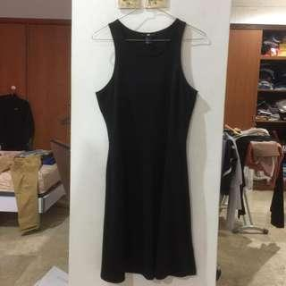 h&m black dress (freeong)
