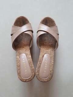 Sandal wedges the sandal's