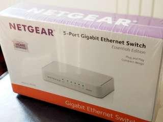 Netgear 5-Port Gigabit Ethernet Switch GS205