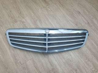 Mercedes-Benz Original Front grille chrome C Class W204