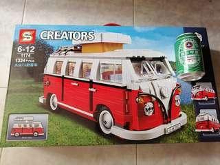 仿 Lego 露營車