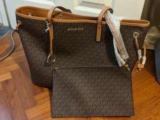 BN Reversible Michael Kors Tote Bag with Clutch