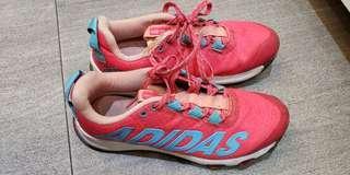 Adidas 女童波鞋35號