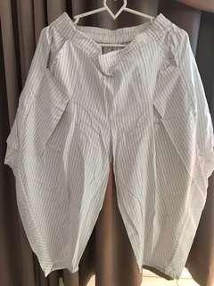 Celana stripe putih